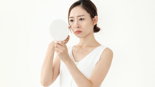 ニキビ肌ファンデーション